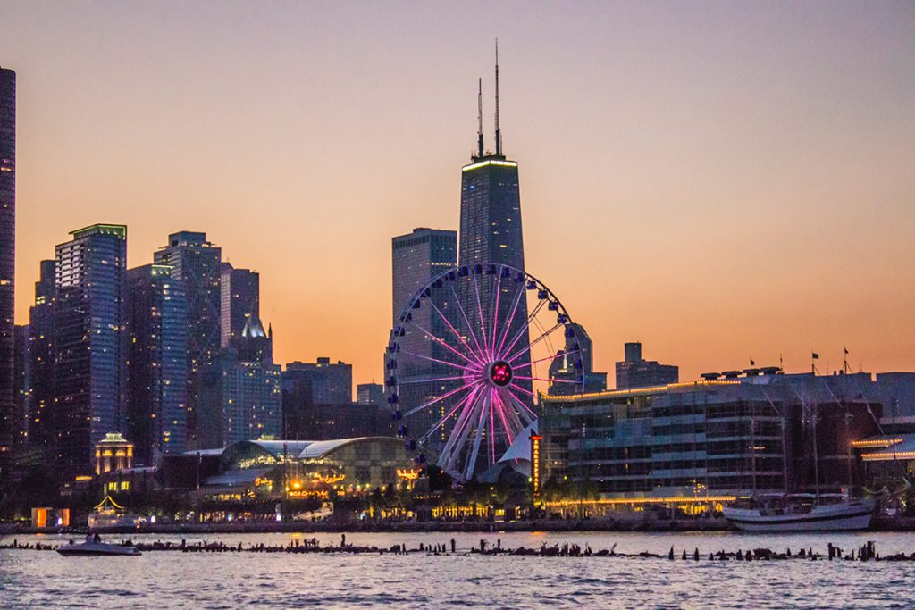 The Chicago skyline as seen from the Adler Planetarium at dusk. (Source: Unsplash)